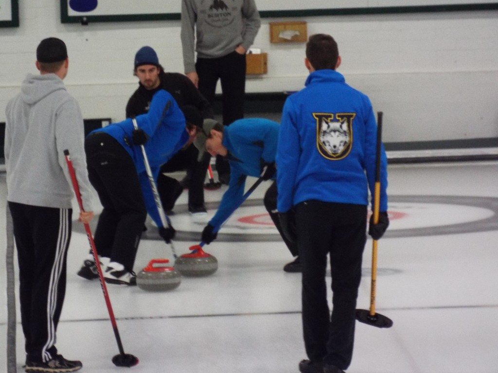 Curling_Men_16_action