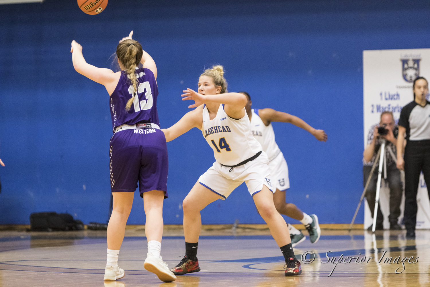 Thunderwolves fight hard in loss to Mustang